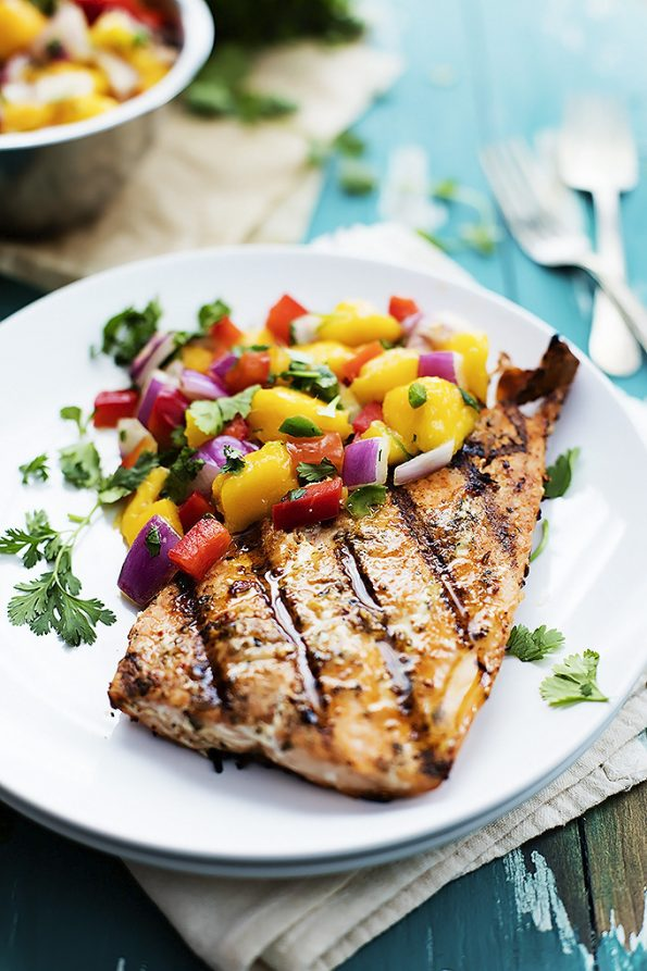 Whole 30 dinners | my week one Whole 30 meals | healthy recipes and tips | salmon, mango salsa, spaghetti squash, steak, and more!