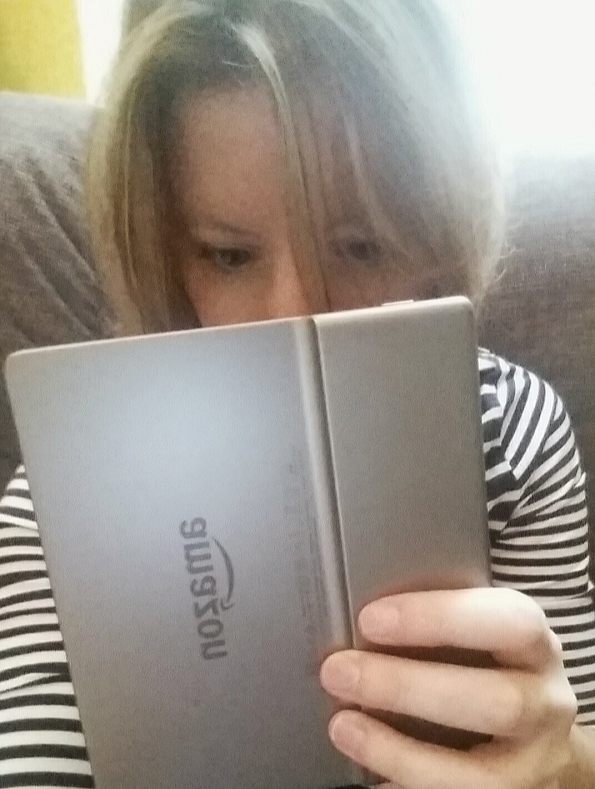 A Literary Feast | Honest review of the Kindle Oasis